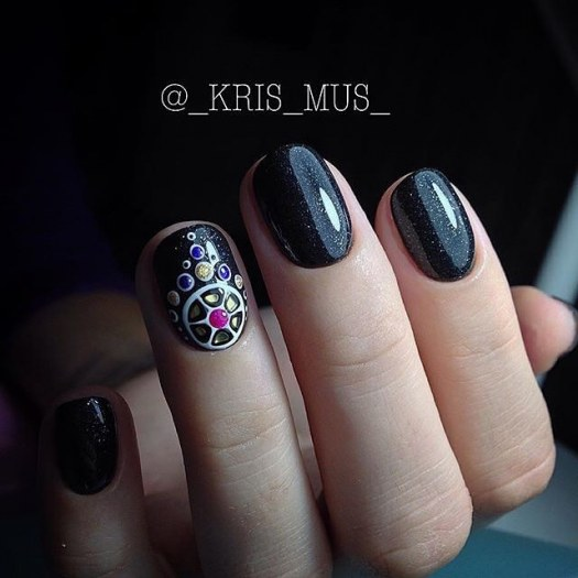 Black nail art idea