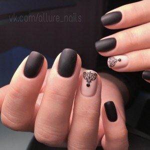 Blak matte manicure with ring finger nail design
