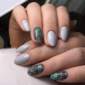 Blue manicure nail art idea with slider for nail design
