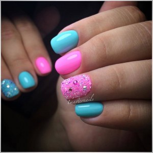 Bright  turquoise pink manicure