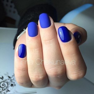 Easy blue nail design idea - glossy and matte gel polish design