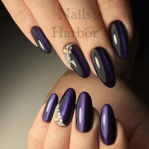 gorgeous nail designs with rhinestones and cat's eye