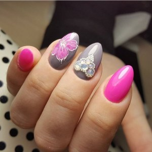 Gray and pink manicure idea with flower nail design and heart
