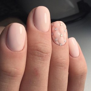 Quilted pink manicure