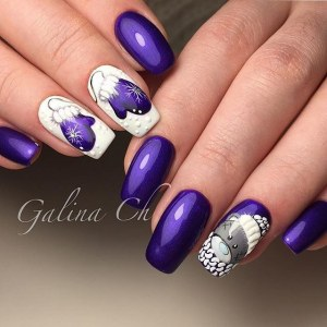 Winter manicure nail art design idea with Teddy Bear
